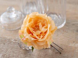 薔薇の髪飾り*ふんわりオレンジ*『キラキラかわいい☆彡』の画像