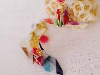 折り鶴のピアスの画像