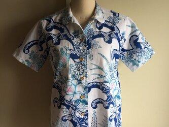 浴衣の丸襟シャツ  ランプ(波や花  柄)の画像