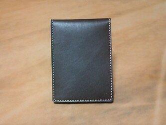 革の 2折りパスケース シンプル 茶色の画像