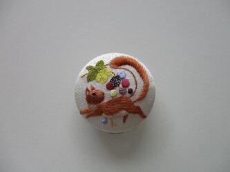 受注制作 葡萄と栗鼠の帯留め シルバーの画像