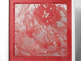 切り絵 牡丹 二枚重ね額縁 透明背景 赤の色渋紙の画像