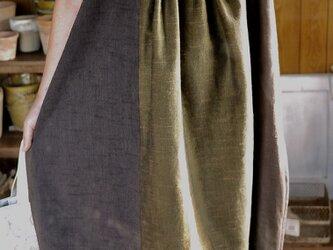 久留米絣とリネンのタックワンピースの画像