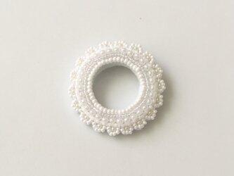 pure white lace D ブローチの画像