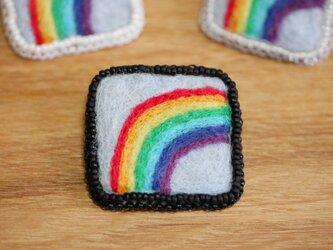 虹 ブローチ・黒の画像