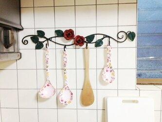 【受注製作】アイアン薔薇のキッチンツール4連フック ローズ 壁掛け ウォールハンガー バラ アンティーク調の画像