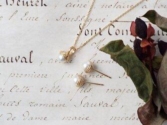 アコヤパール(本真珠)のどんぐりモチーフネックレスの画像