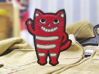 ★立って手を振る猫★ねこワッペン/赤白-大の画像