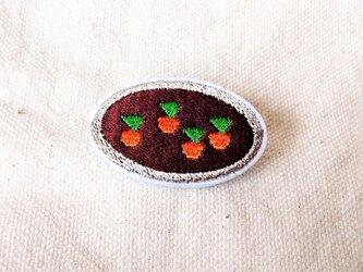 刺繍ブローチ 「にんじん畑」の画像