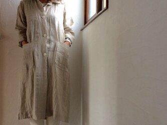 リネン100 キッチン&アトリエコート 生成りベージュ はたらく服の画像
