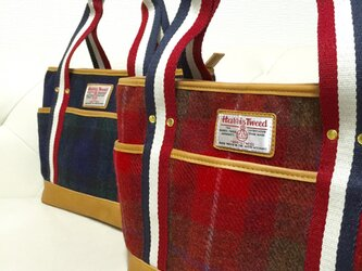 ハリスツイードのトートバッグ(レッド)の画像