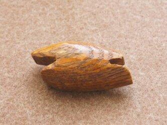 楢のブローチ  Bの画像
