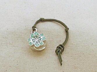 銀製の鈴 『 四葉 』 (シルバー925+七宝) 根付・バッグチャームの画像