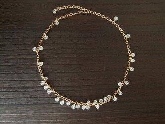 花びらのネックレス ホワイトカルセドニーの画像