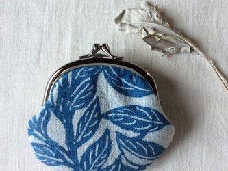 藍染 がま口 「ガジュマルの葉っぱ ゆれる」の画像