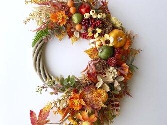 Autumn pumpkin wreath + Broomの画像