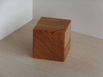 貯金箱(ケヤキ)の画像