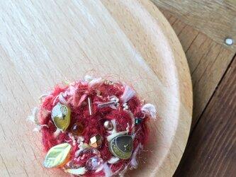 もこもこモヘアの落ち葉ブローチの画像