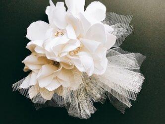 スワロフスキーとパールのチュールヘッドドレス オフホワイトの画像