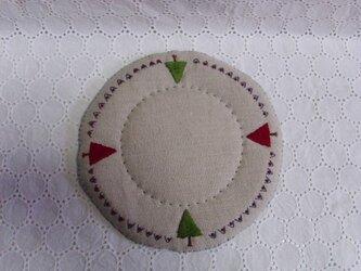 リネンと毛糸と刺繍のポットマット②の画像