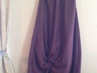 こっくり秋色ハーフリネンのツイストコクーンスカートの画像