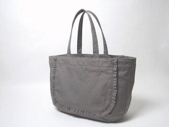 フリルトートバッグ ✳︎ モカグレー レジャーバッグの画像