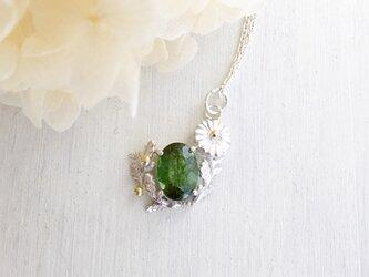 秋の新作 秋桜のネックレスの画像