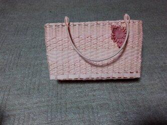 コサージュ付きバッグ(サーモンピンク)の画像
