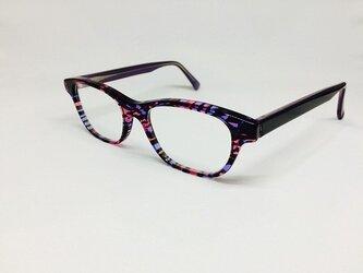 ピンクステンドグラスカラーのクリスタルなメガネ(メガネフレーム)の画像