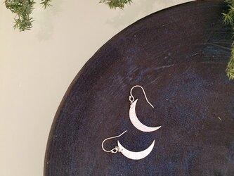 月のピアスL-pac094の画像