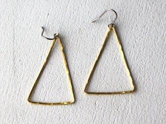 真鍮ピアス 三角線の画像