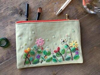 【訳アリsale】ビーズ刺繍ポーチ(ボタニカル・ガーデン)の画像