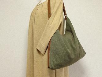 ☆受注製作☆ツイードと革のくったりワンハンドル(薄モスグリーン系) の画像
