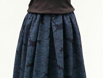 紬のリメイクスカート の画像