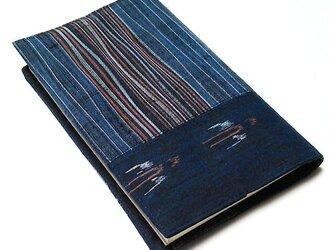 縁起の良い燕文様のブックカバー(新書本カバー)の画像