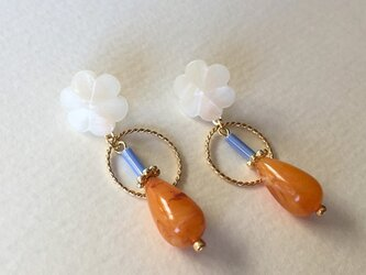 Japan white flower button & orange drop beads pierce_PIC115の画像