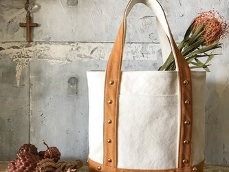 canvas tote bag medium (camel&white)の画像
