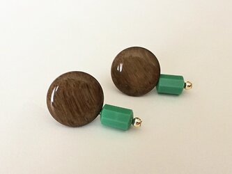 Wood-grain pattern brown button pierce_PIC084の画像