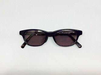 クリアネイビー&黒べっ甲カラーの渋いサングラス(メガネフレーム)の画像