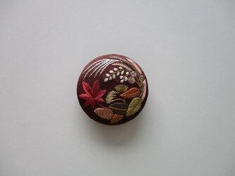 秋の風景 帯留め チョコレートの画像