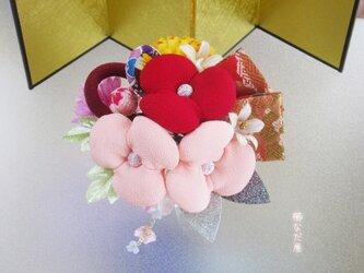着物 髪飾り 成人式 七五三 ちりめん花 和装 ヘアアクセサリー振袖 赤系の画像