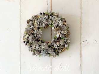 Dry materials wreath ・ナッツいっぱいの画像