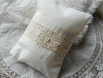 スモッキング刺繍サシェ (S-5)の画像