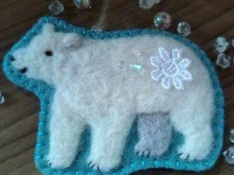 白熊さんブローチの画像