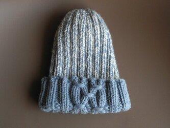 ゴム編みの帽子/薄青の画像