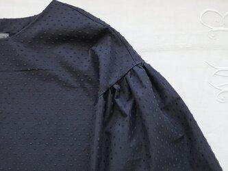 クリックポスト送料込ドット刺繍フリル袖ブラウス黒の画像