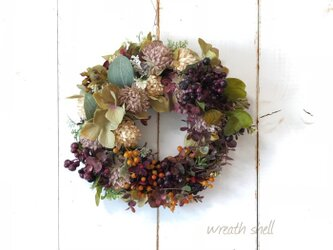 Natural wreath ・flower and berryの画像