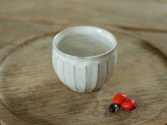 陶器の丸湯のみ(面)の画像
