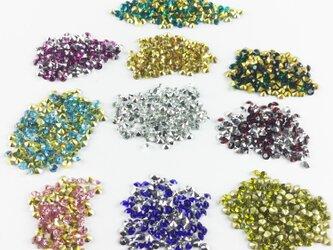 送料無料 ラインストーン Vカット 3mm 10色 1000個 SS12 ダイヤカット レジン デコ ネイル (VRS0001)の画像