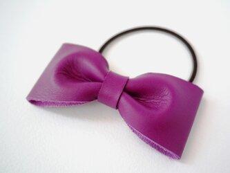 【新色】上品なレザーのリボンポニー ヘアゴム フューシャピンクの画像